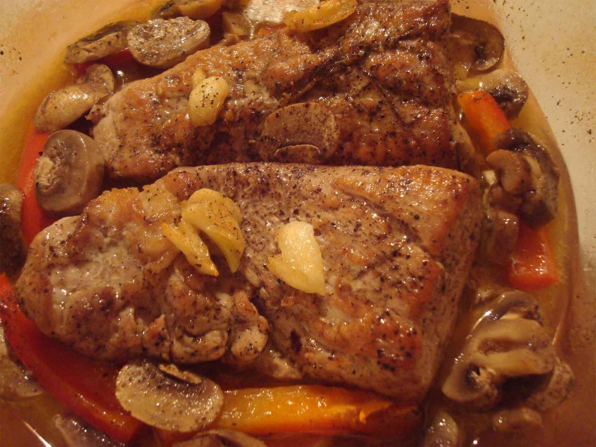 Marios-Italian-Deli-Garlic-Pork-Cutlets-with-Peppers-&-Mushrooms-2