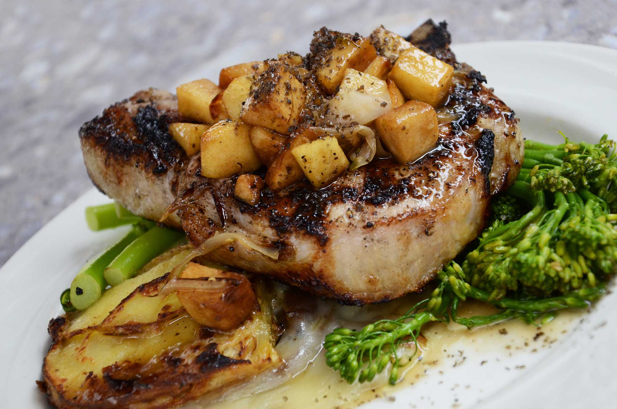Marios-Italian-Deli Pork Chops with Apple Compote